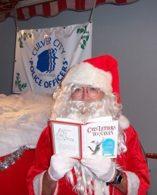 santa-got-caught-reading-2005.jpg